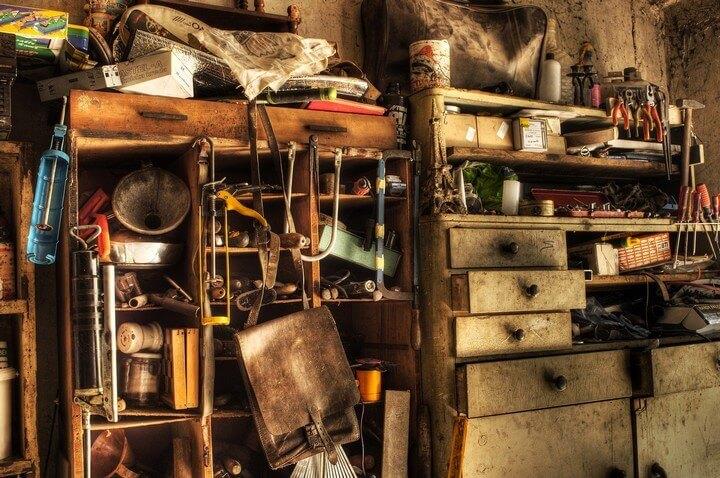 clutter-hoarder